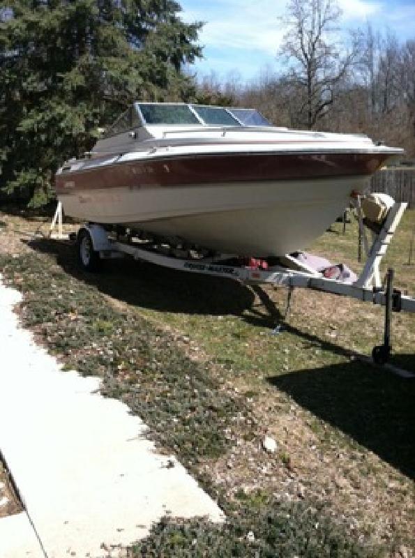 $3,500 OBO A 205 1988 Larson Delta Conic Cuddy Cabin Fishin Boat
