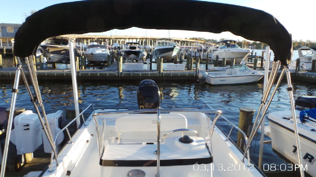 Boston Whaler 2015 19 Montauk Center Console Family Boat in Annapolis, MD