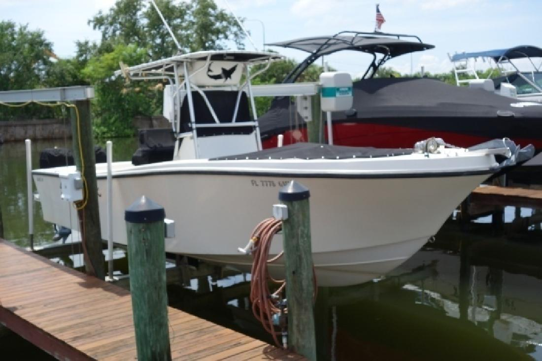 1989 Mako 26 Center Console in Tampa, FL