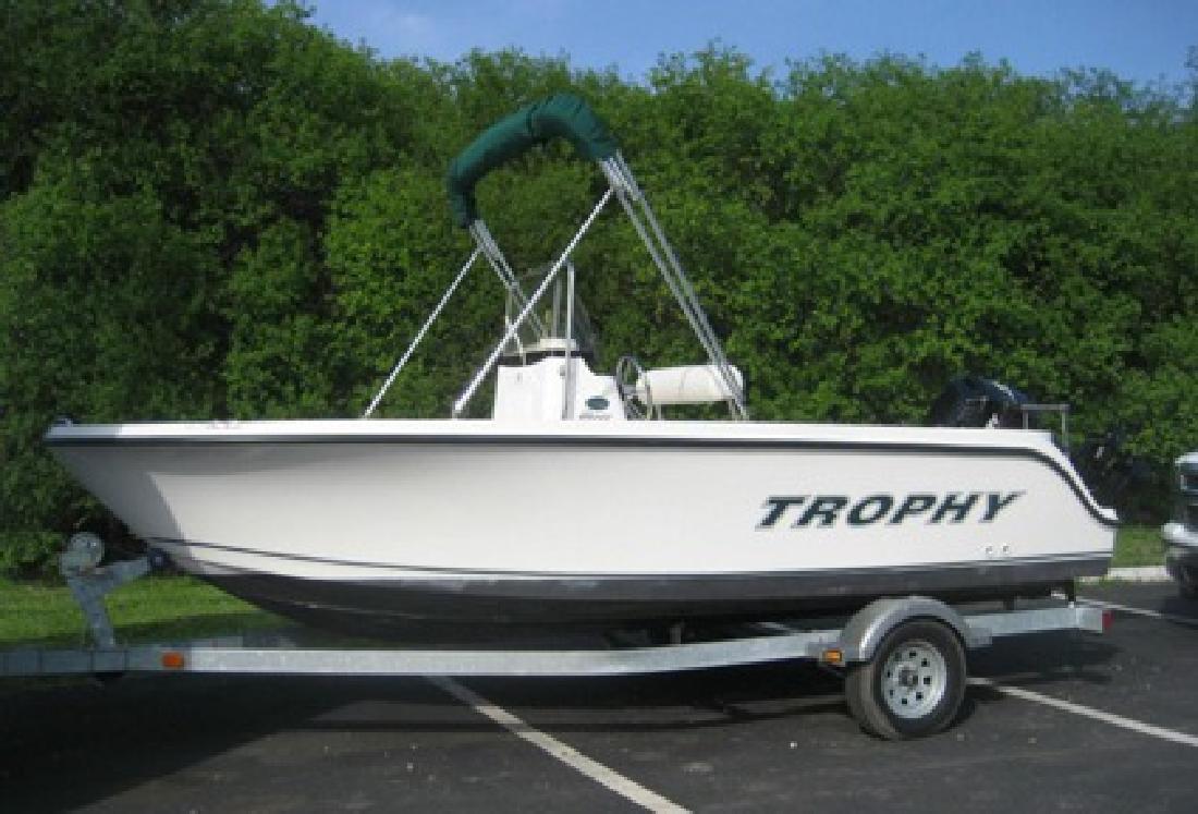 $4,800 2010 Trophy Fishing Boat 1703 Center Console, Mercury 90 hp, trailer
