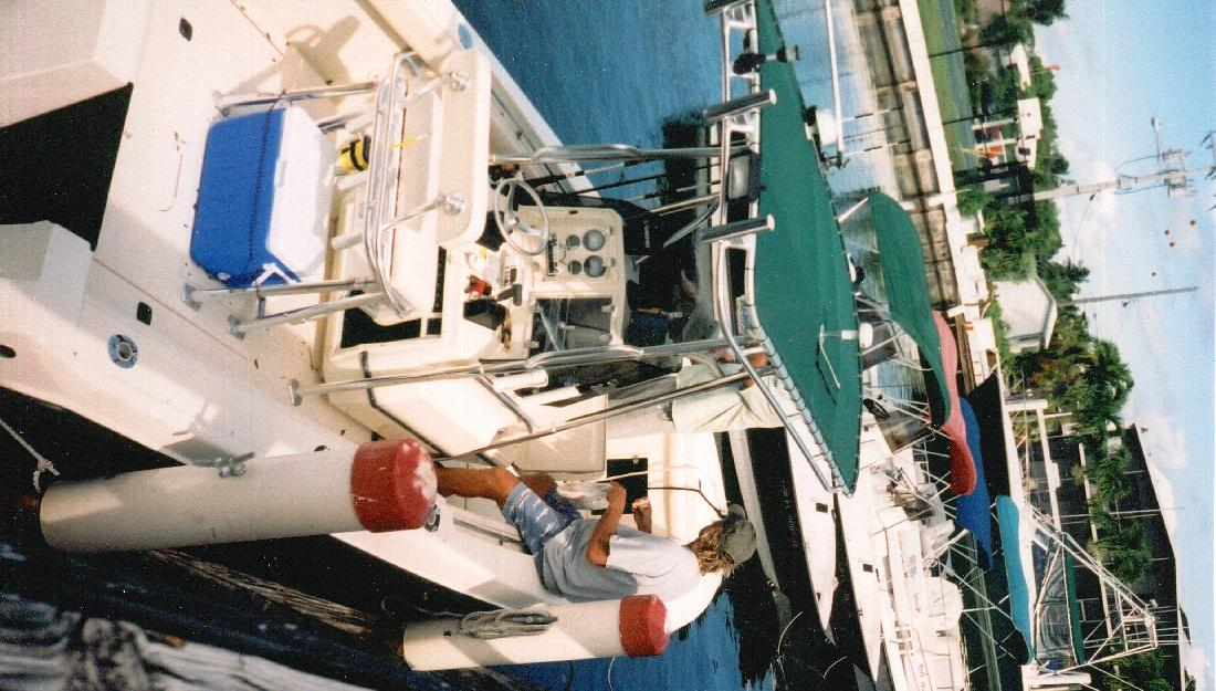 2001 23' Contender 23cc in Islamorada, Florida