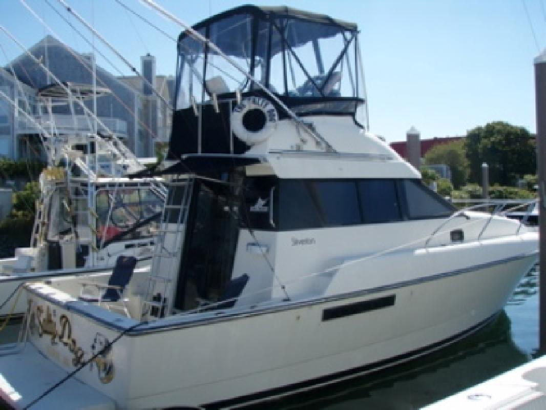 1991 31' Silverton Convertible Flybridge Sportfish in Falmouth, ...