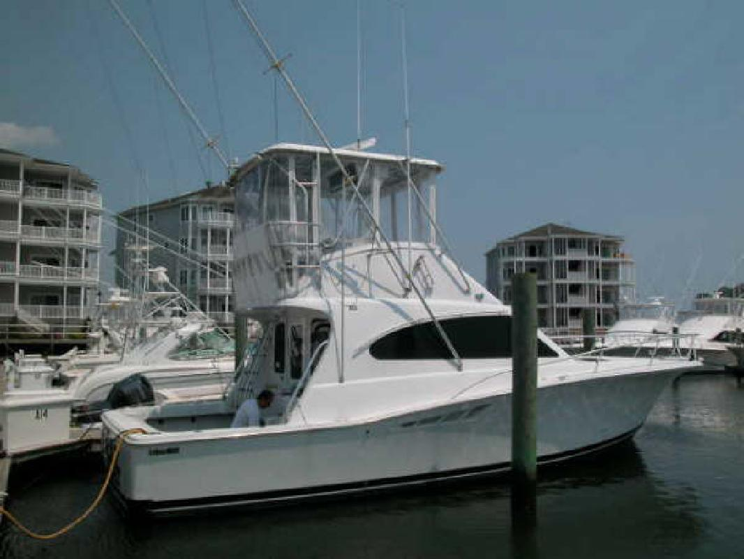 2000 40' Luhrs Corp. Convertible
