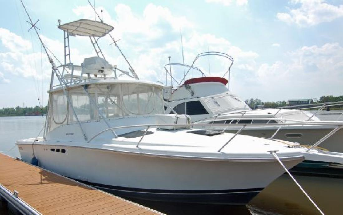 1995 29' Luhrs Corp. Open in Wilmington, North Carolina