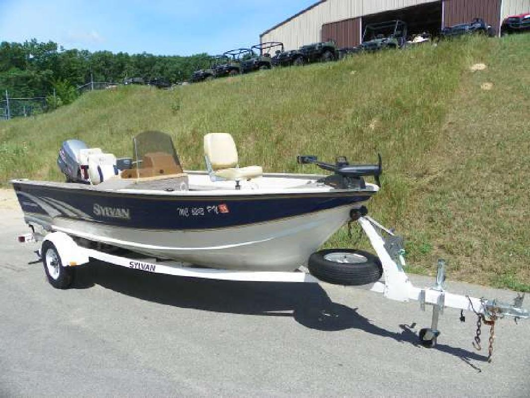 1997 16' Sylvan & Smoker Craft Inc 16 Explorer