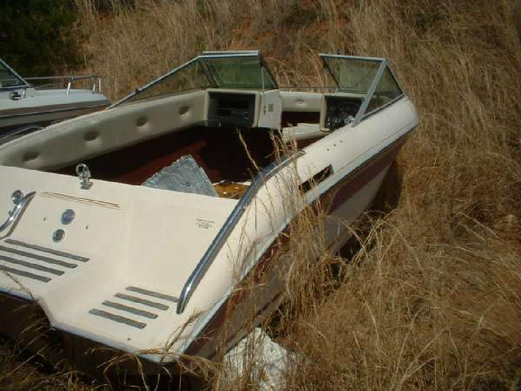 1988 21' Celebrity Boats Crownline 210 VBR in Dawsonville, Georgia