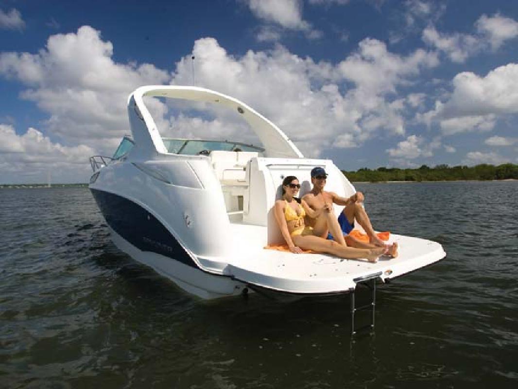 2011 28' Bayliner Cruiser 285