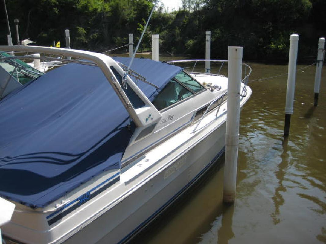 1987 34' Sea Ray Express Cruiser 340 Express Cruiser