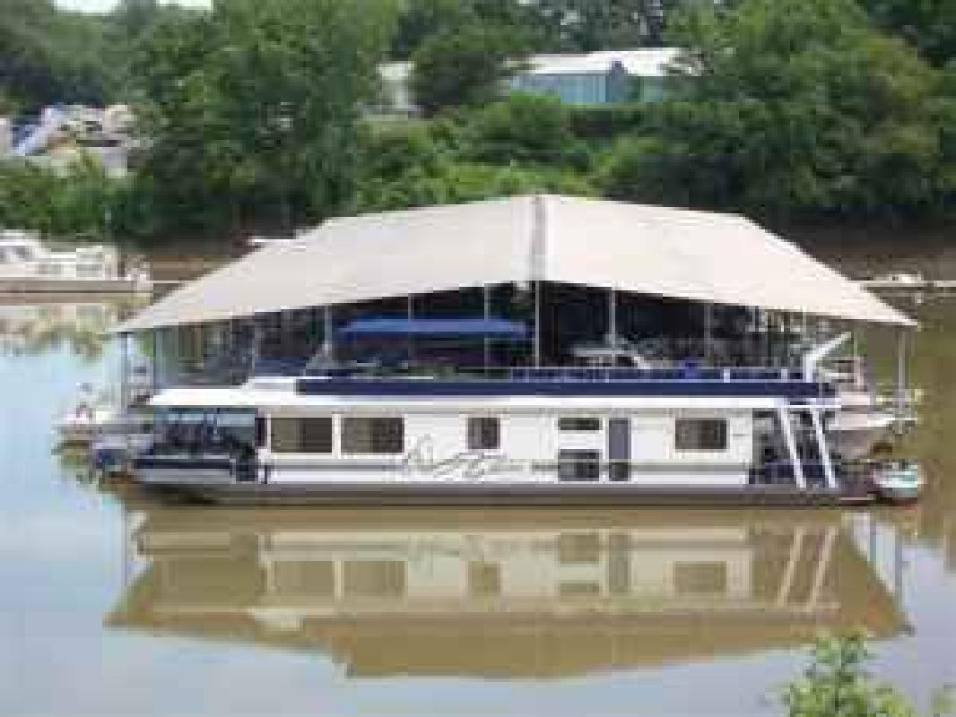 1997 70' Stardust Cruiser Houseboat