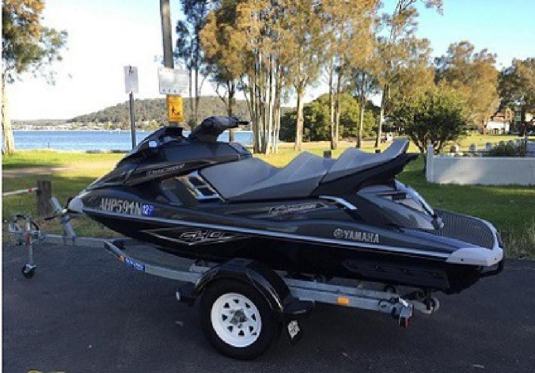 $4,500 SWHDW 2013 Yamaha FX Cruiser SHO Jet ski