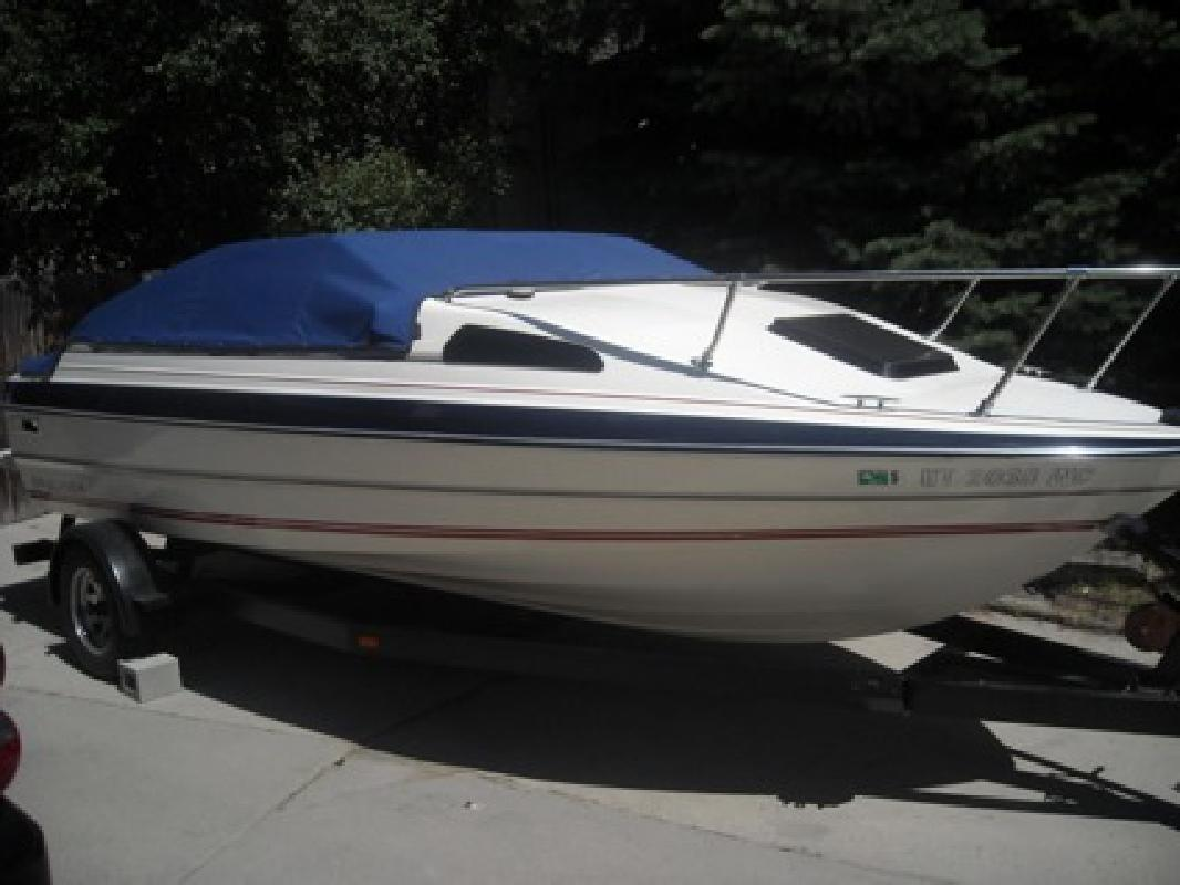 $5,500 OBO 1986 19.5 ft. Bayliner Cuddey-Cab Reupholstered and Reconditioned