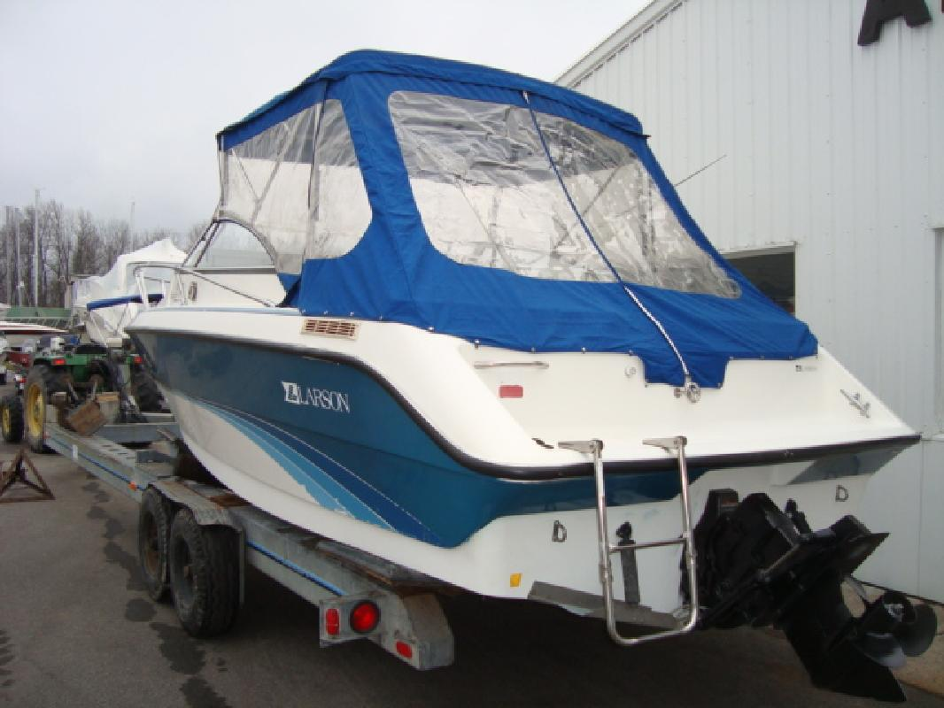 1992 22' Larson Boats CUDDY 220 HAMPTON