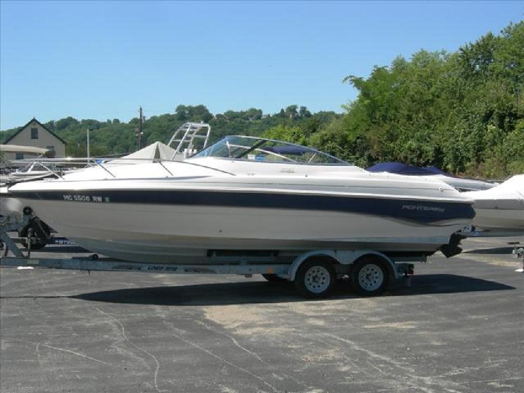1999 23' Monterey Boats Cuddy 236 Montura in Cincinnati, Ohio