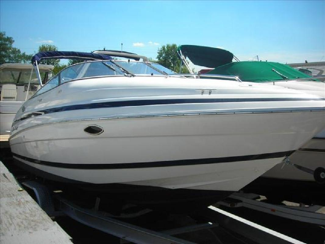 1998 24' Chris-Craft Cuddy Cabin 240 in Cincinnati, Ohio
