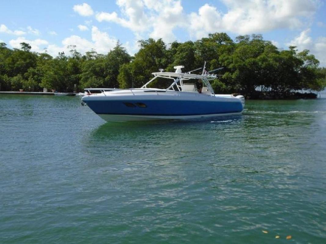 2017 Intrepid Powerboats 400 Cuddy Pompano Beach FL