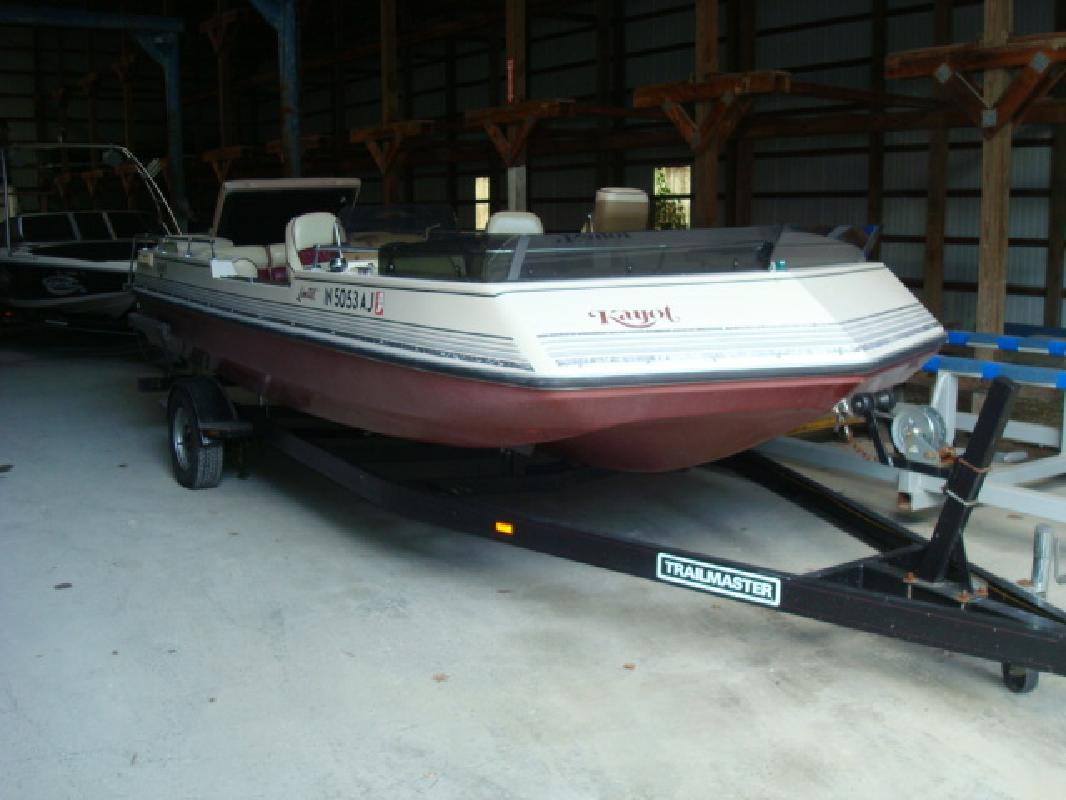 1988 20' Kayot deck 200 ltd