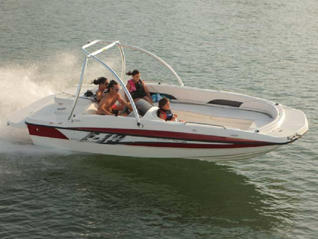 2011 18' Bayliner Deck Boat 197