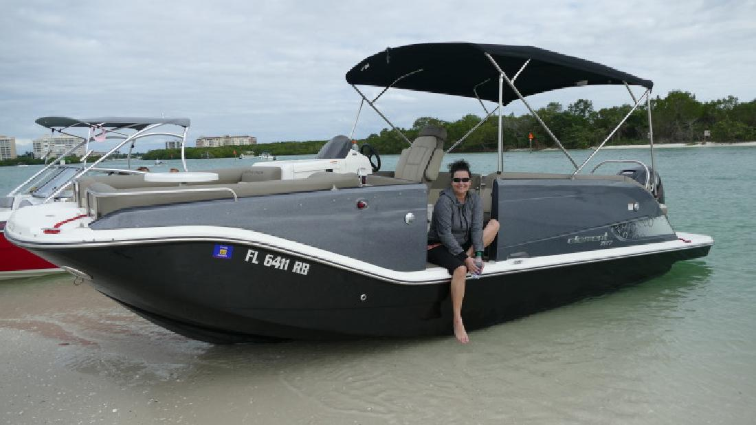2016 Fully Loaded Custom Bayliner Element XR7 Deck Boat in Bonita Springs, FL