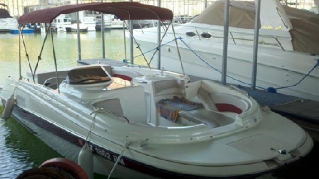 $34,900 2007 Glastron 215DS Deck/Ski Boat
