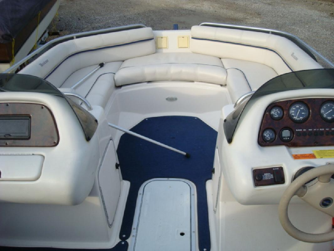 1998 21' Hurricane deckboat SD2100