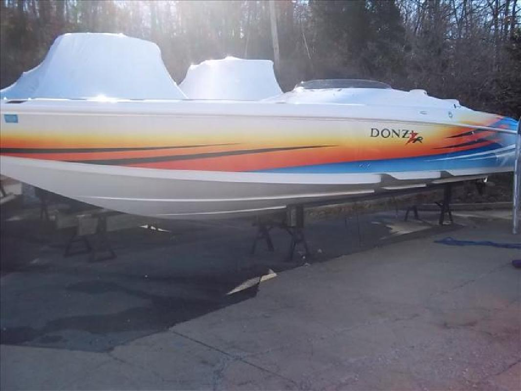 2005 35' Donzi 35ZR for sale in Lake Ozark, Missouri | All Boat Listings.com