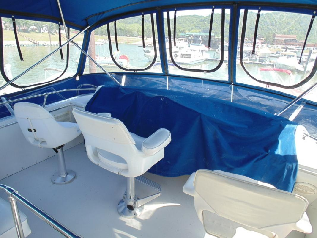 1988 - Chris Craft - 372 Catalina Double Cabin in Prairie Du Chien, WI