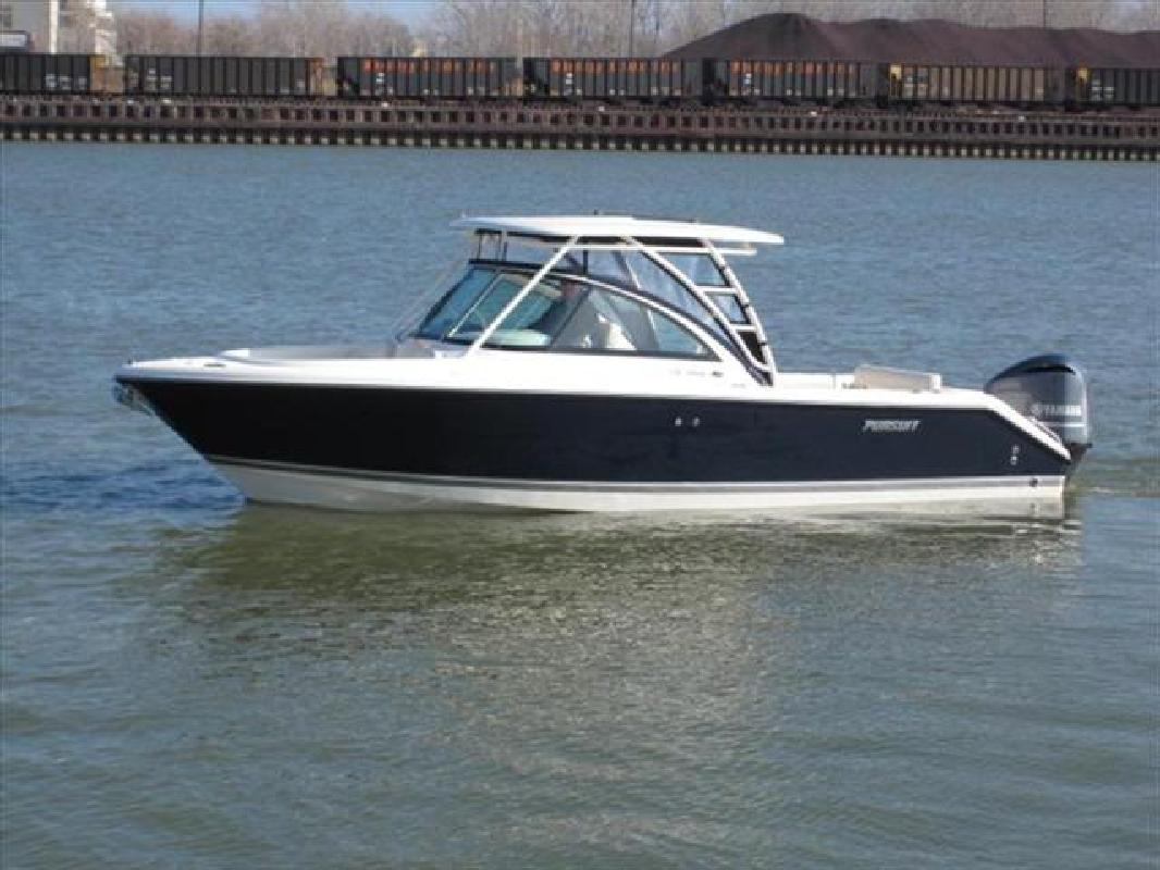 2011 26' Pursuit Boats Dual Console DC 265 in Huron, Ohio