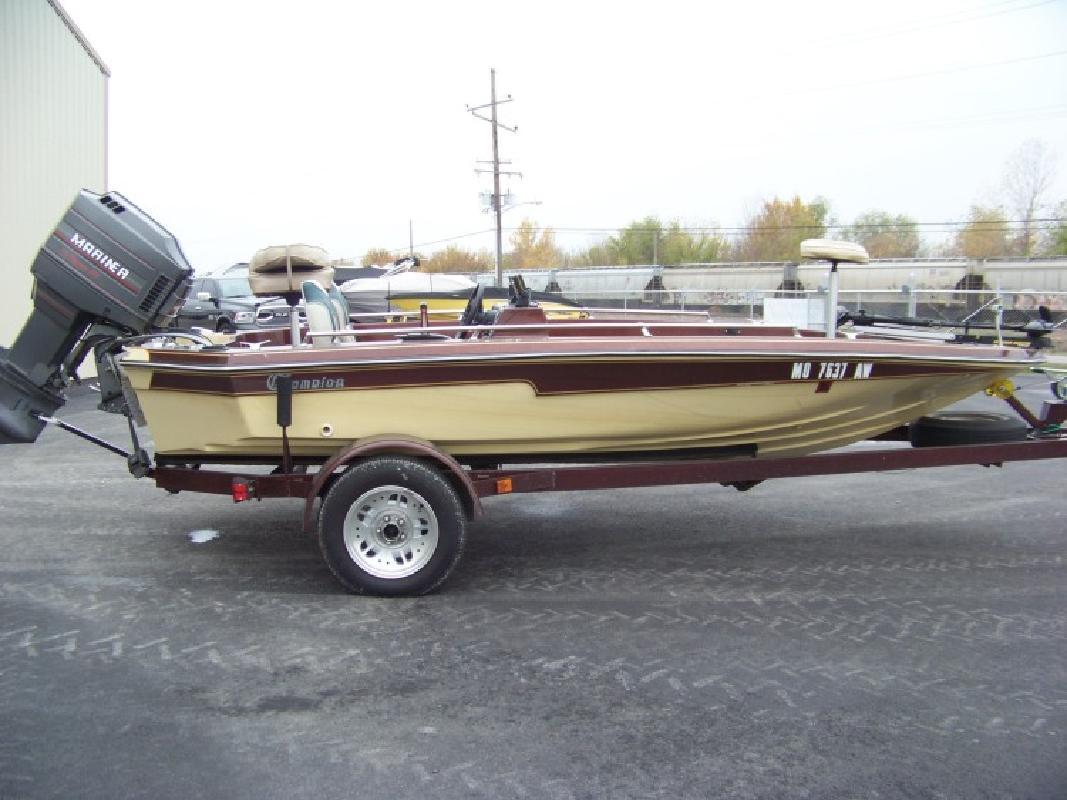 Champion Boats in Dupo, IL