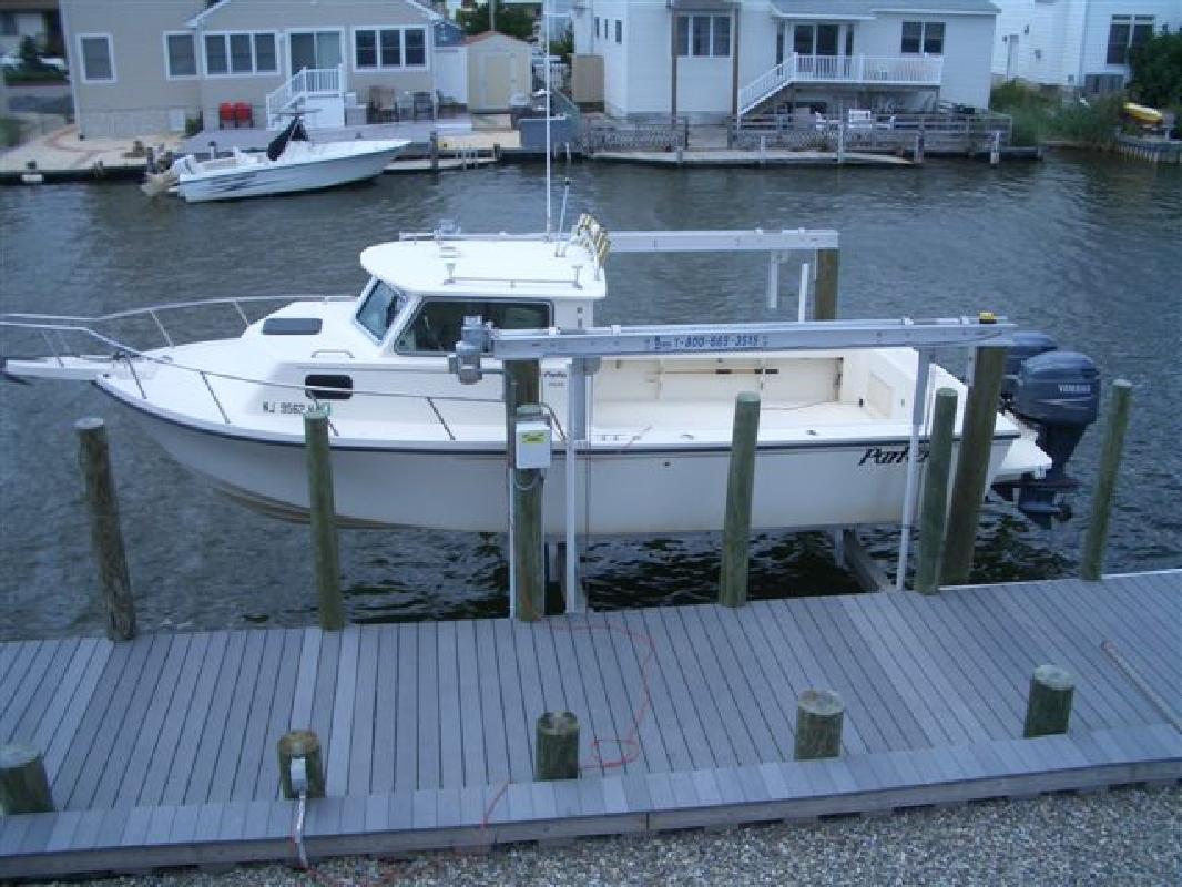 2003 25 Parker Marine 2520 Dv Pilothouse Twins Lift