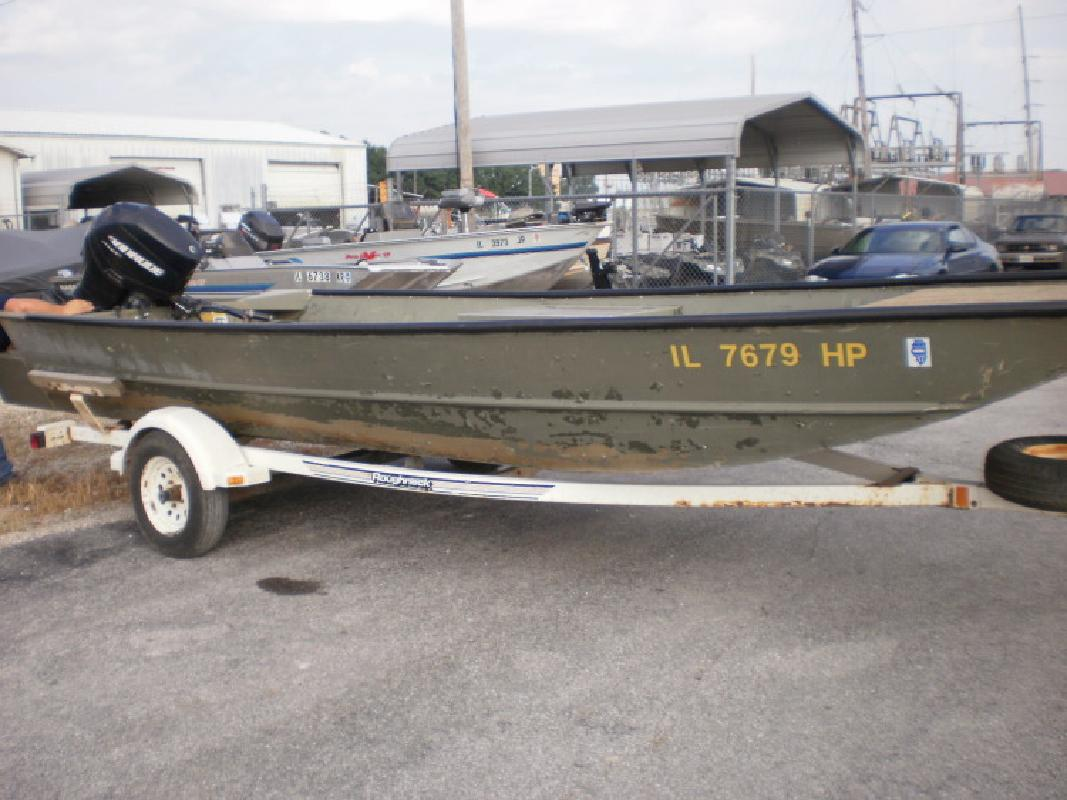 GEN 3 with 40 Evinrude E-Tec in Beardstown, IL