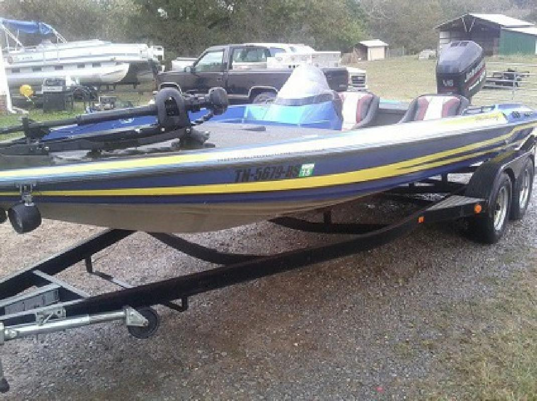 $3,025 1997 Stratos 201 pro elite Priced to Sell