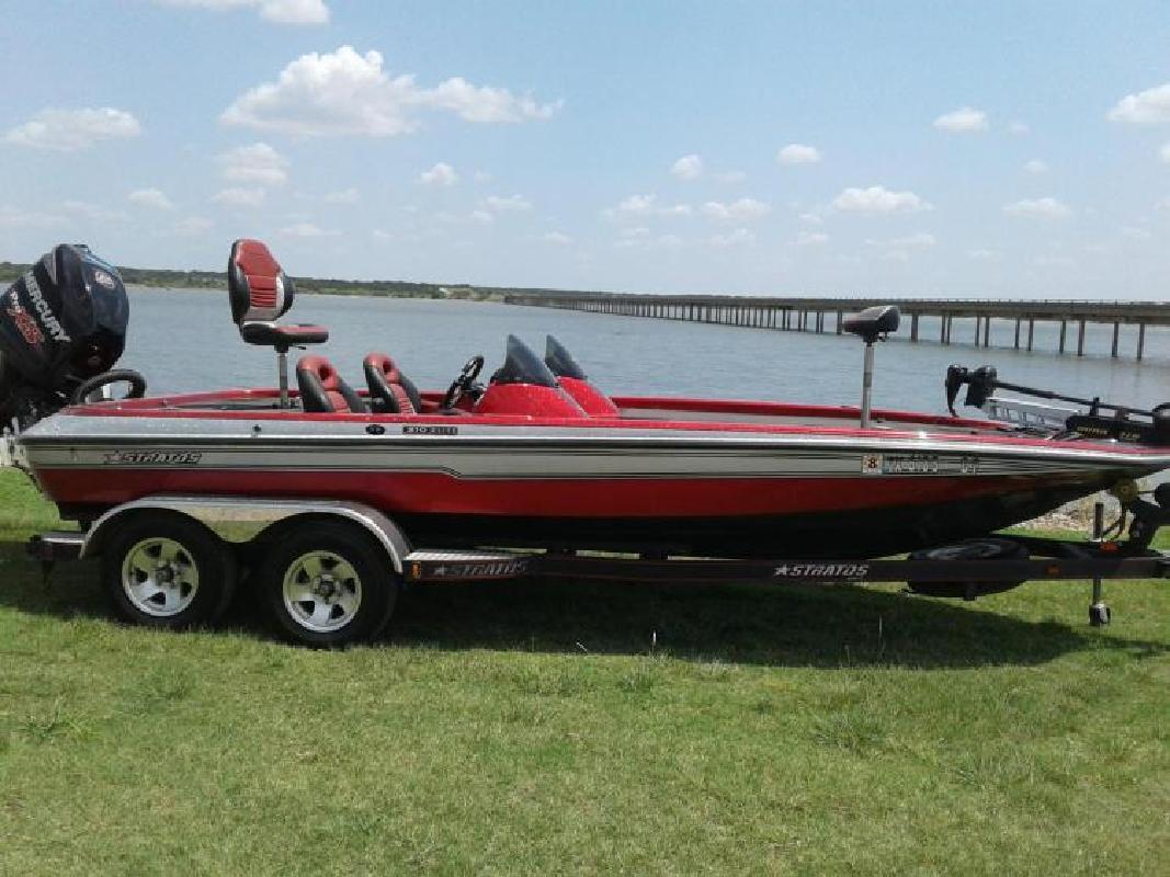 2011 Stratos Boats 210 ELITE SE Breckenridge TX