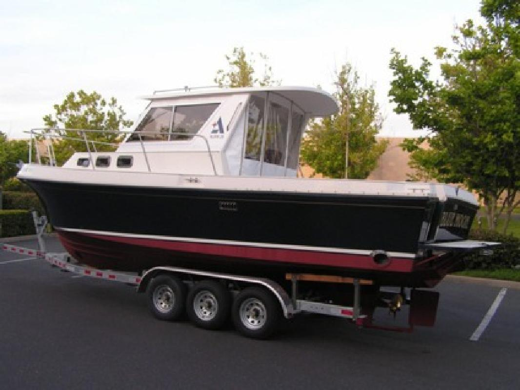 $7,600 2001 Albin 28 TE excellent fishing boat
