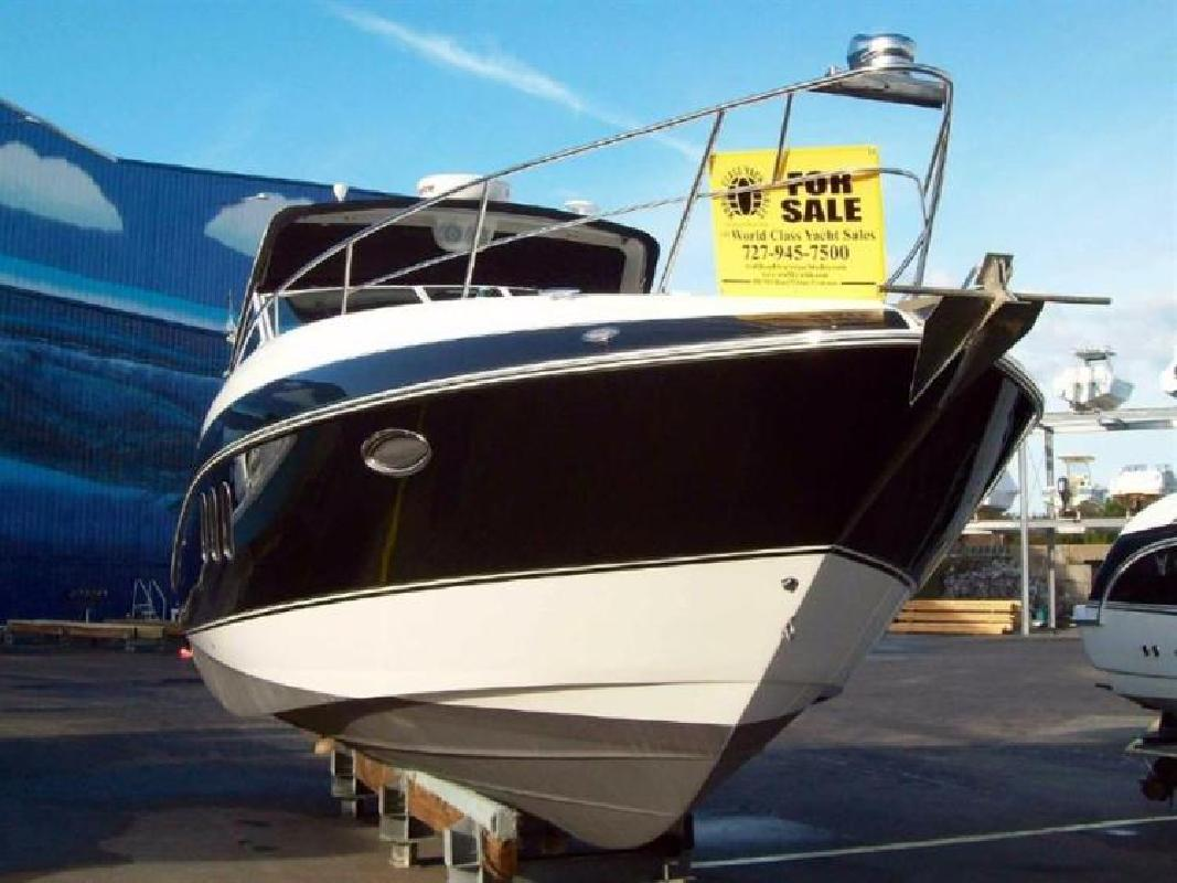 2008 Cruisers Yachts 330 Express Destin FL