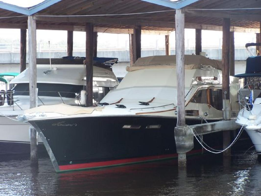 1981 52' Midnight Express Flybridge
