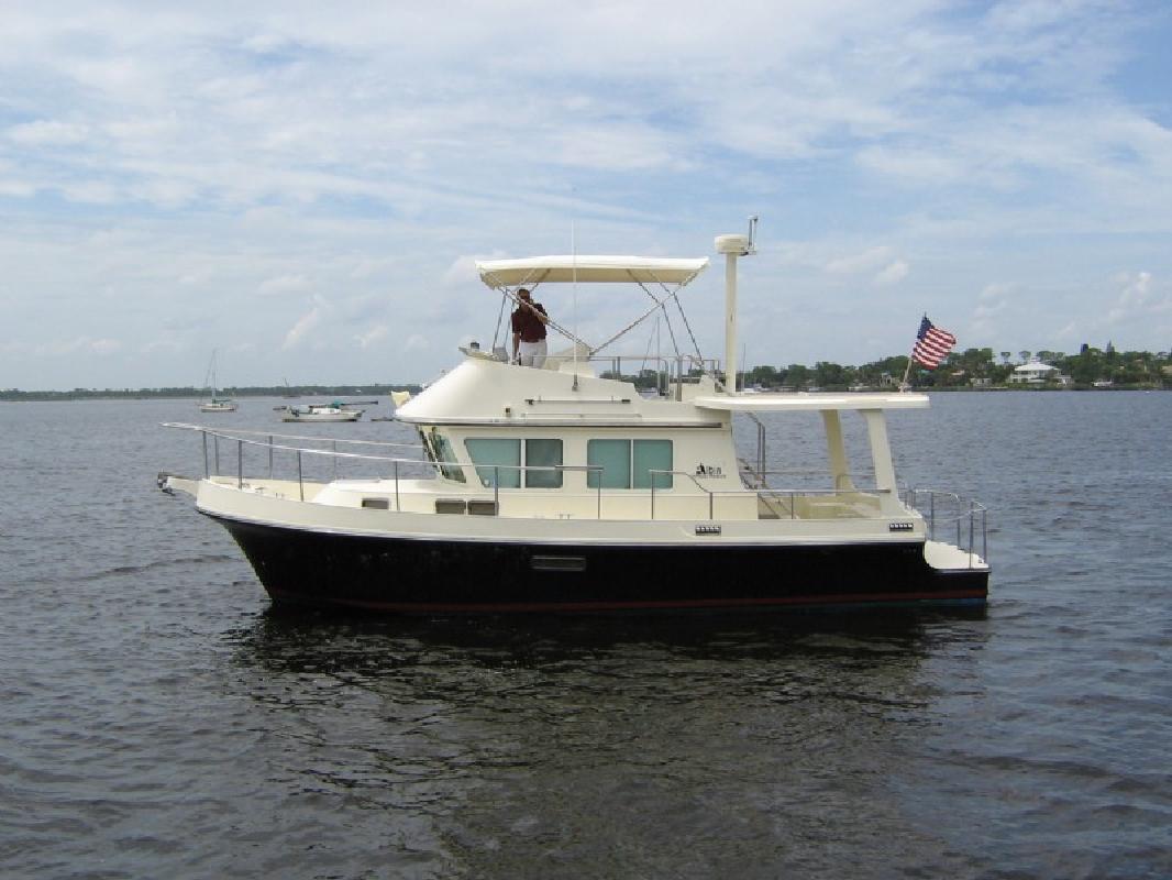2001 36' Albin Express Trawler