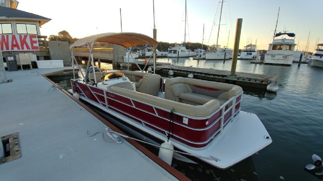 2017 - Hurricane Deck Boats - FunDeck FD 226 OB in Bluffton, SC