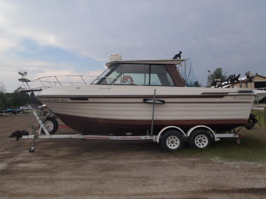 1988 - Thompson Boats - 240 Fisherman II in Au Gres, MI