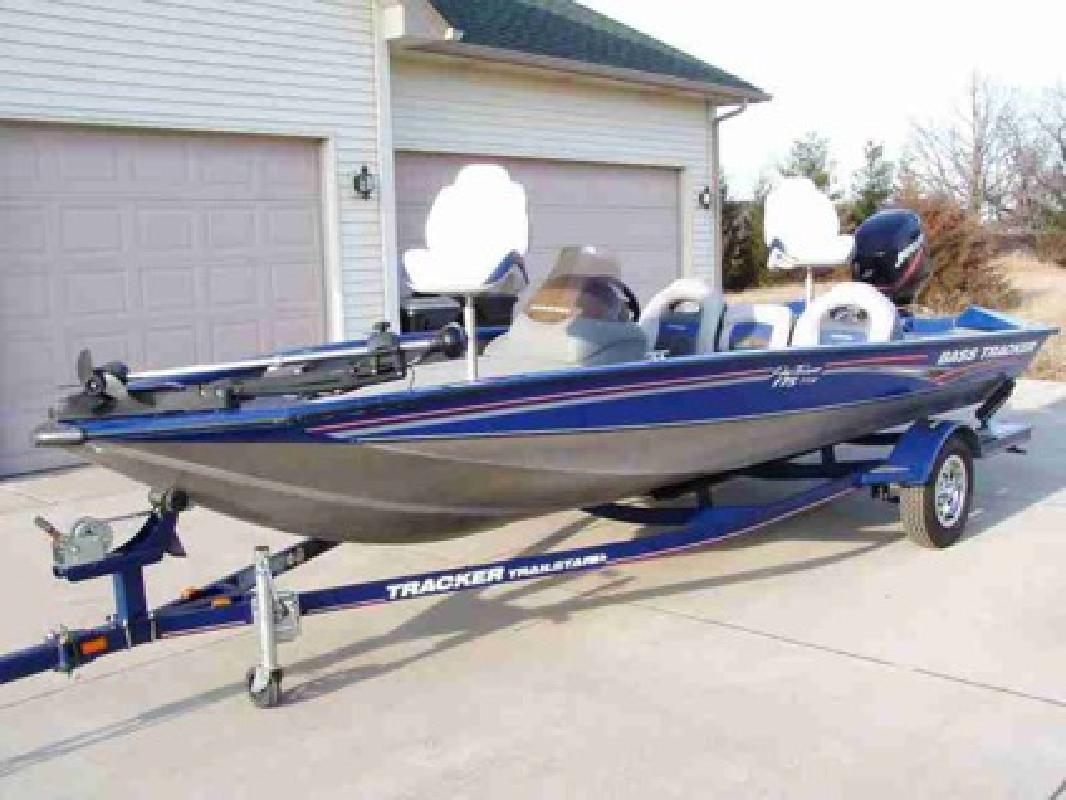$8,500 2008 Bass Tracker Pro Team 175 TXW - Fishing Boat