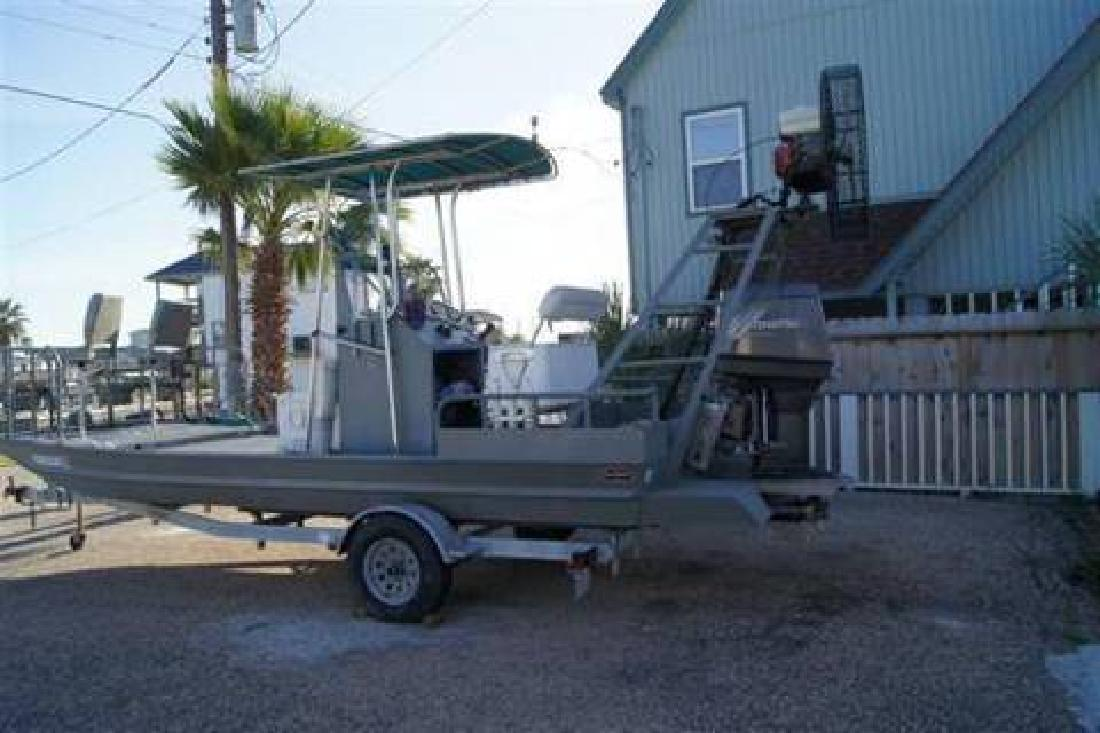 Flounder and fishing boat for sale in liverpool texas for Flounder boat air motor