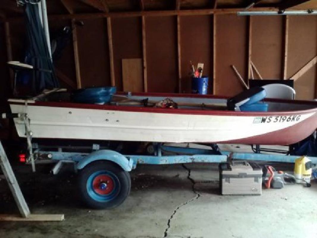 $1,000 12 ft fishing boat