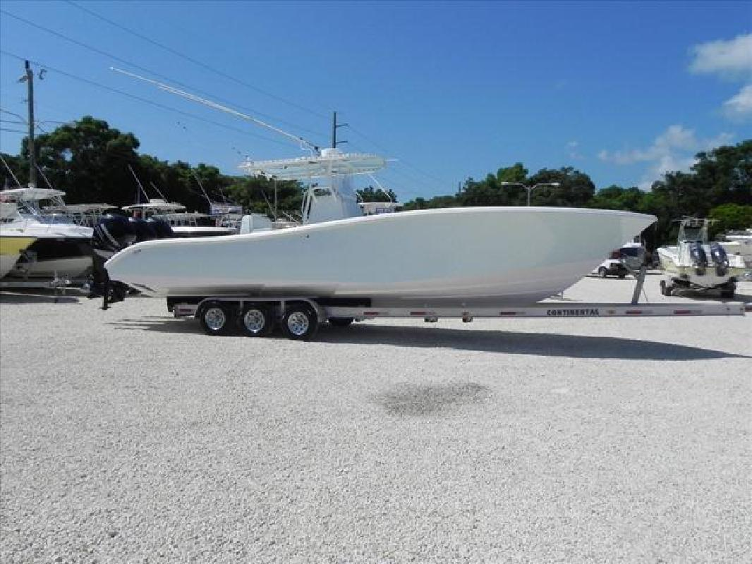 2007 34 39 yellowfin yachts offshore fishing boat 34 center for Key largo party boat fishing