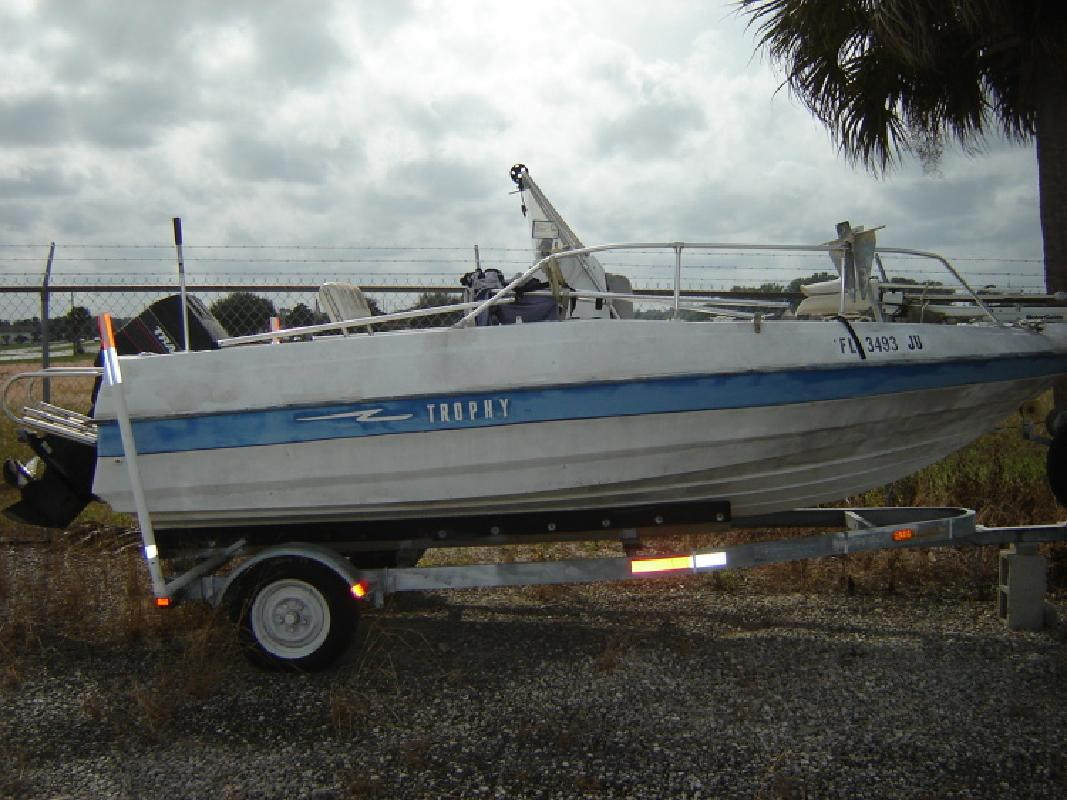 Trophy new and used boats for sale in florida for Lake fishing boats