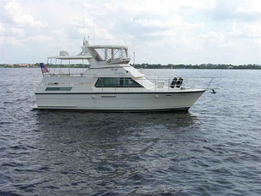 1989 40' Hatteras Yachts Flybridge Double Cabin MY. Contact the seller