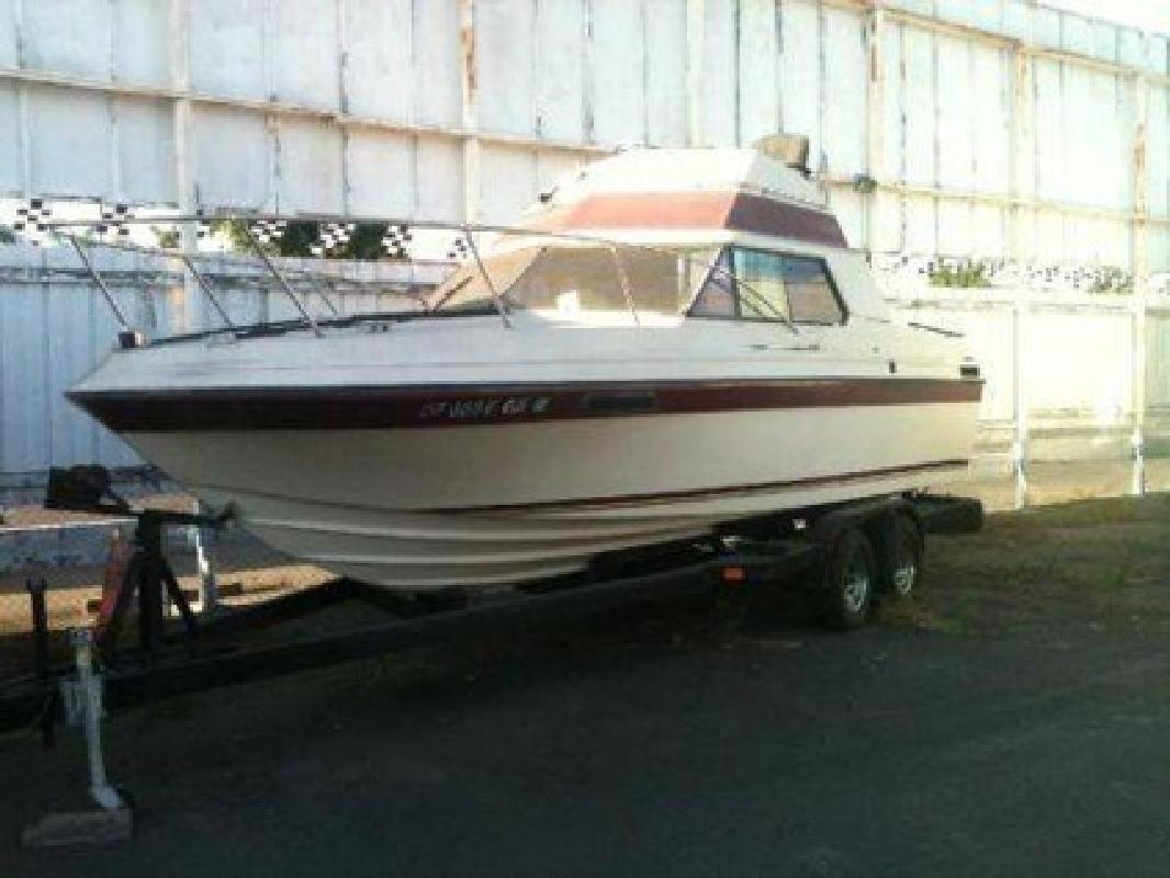 $3,000 1979 Reinell Cabin Fishing Boat 24 ft. Need Minor Engine Work