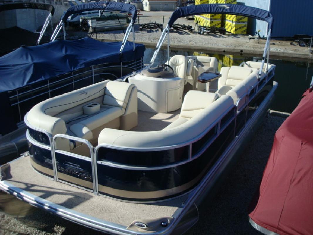 2011 27' Bennington Marine LLC G Series 2574 GCW