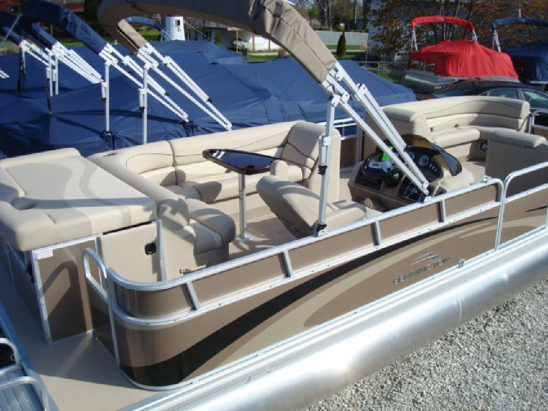 2011 27' Bennington Marine LLC G Series 2574 GLi
