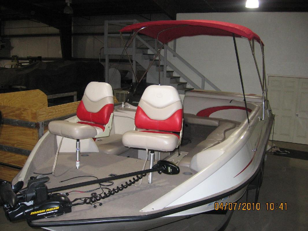 2007 21' Tracker Marine Group Party Deck 21