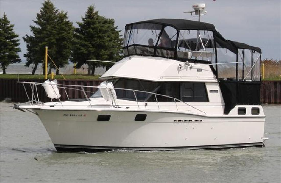 1986 Carver Yachts 3207 Harrison Township Mi For Sale In