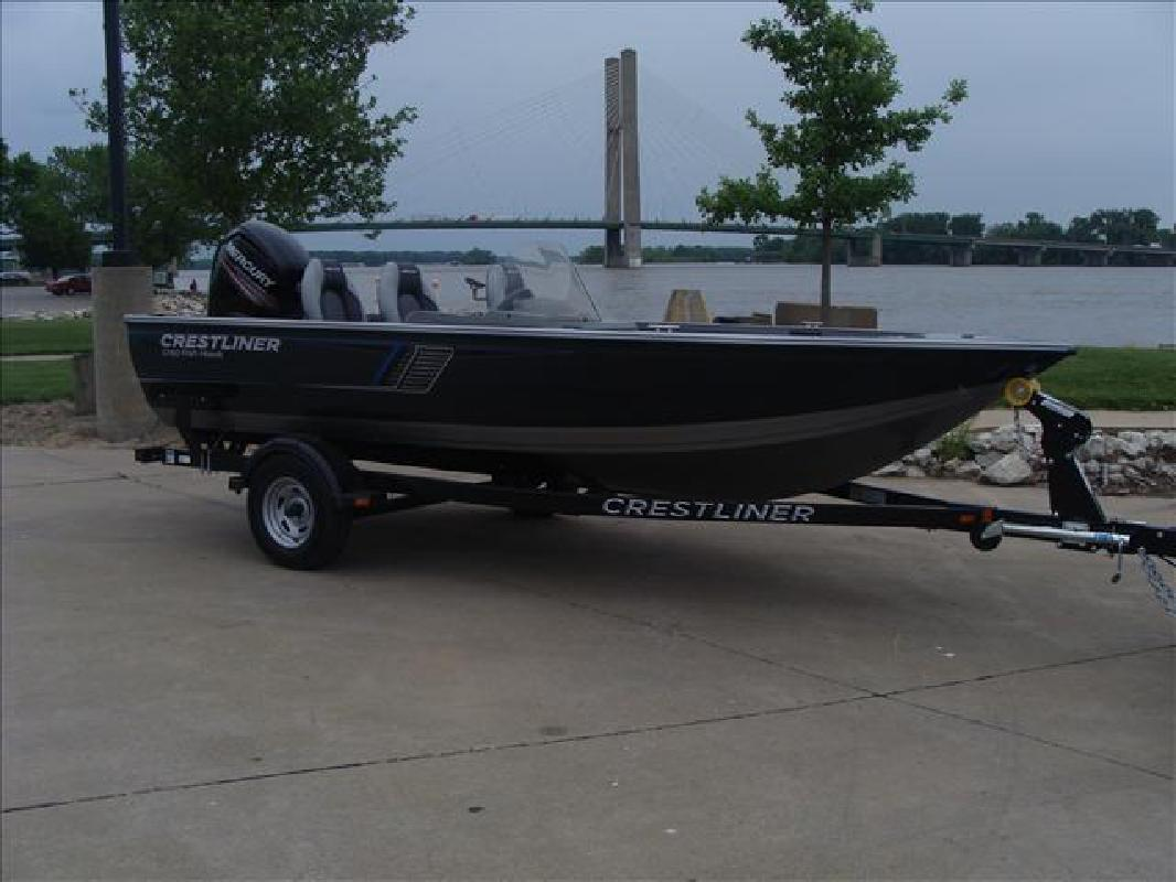 2016 crestliner boats 1750 fish hawk side console for Fishing boats for sale in iowa